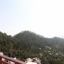 Oyo 15528 Green Roof Hotel & Resort in Kathgodam