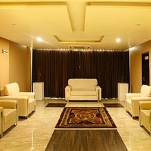 OYO 1566 Hotel Kranthi's Innotel in Mustabada