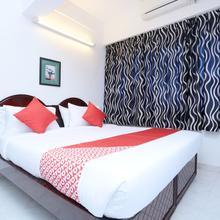 OYO 15669 Hotel Galaxy Inn in Perumkulam