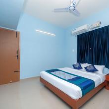 OYO 15702 Thulsi Residency in Chettipalaiyam