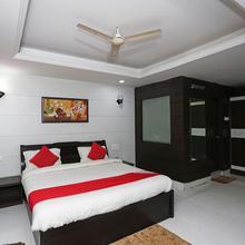 OYO 15715 Royal Ar Residency in Danapur