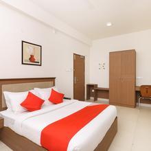 Oyo 15723 Hotel Rishi Gardens in Tiruvallur