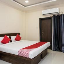 OYO 15823 Hotel Richmond Inn in Mhow Gaon