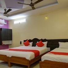 Oyo 15850 K S Residency in Vadipatti