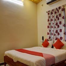 Oyo 15850 K S Residency in Vadippatti