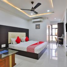 OYO 15862 Hotel The Grand Krishna in Gandhinagar