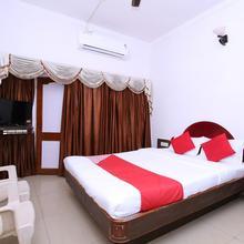 OYO 15887 Hotel Kanak in Jabalpur