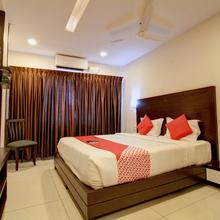 OYO 15909 The Traders Hotel in Mangalore