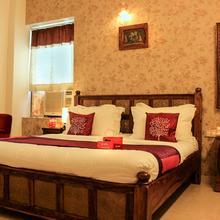Oyo 1592 Hotel Empire Palace in Bedla