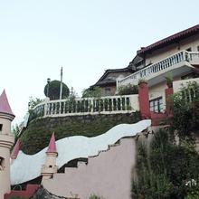 OYO 1601 Himalaya Hotel in Patwa Dunga