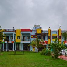 OYO 16076 Hotel Happy Day in Ambaji