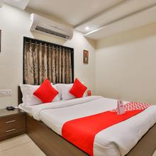 OYO 16086 Hotel Moris Banquets in Rajkot