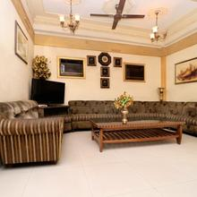 OYO 16098 Hotel Amrit in Jalandhar