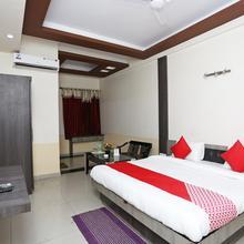 Oyo 16103 Hotel Neelkanth in Aligarh