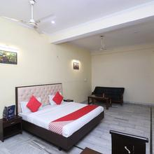 OYO 16109 Hotel Ayaan in Bareilly