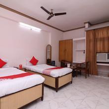 Oyo 16112 Hotel Uruvela International in Gaya