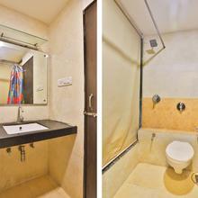 Oyo 1635 Hotel Dash Continental in Vadodara
