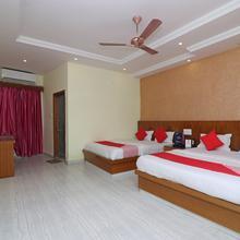 OYO 16395 Hotel G K Palace in Bodh Gaya
