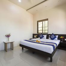 Oyo 1647 Hotel Regent in Talegaon Dabhade