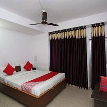 Oyo 16548 Viram Hotel in Dumri