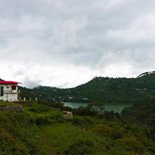Oyo 16785 Home Scenic Cottage Naukuchiatal in Kathgodam