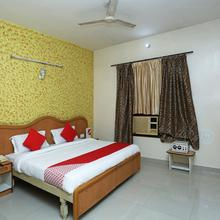 OYO 16906 Hotel Balsons Deluxe in Kauli