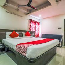 Oyo 16930 Madhura Inn in Vishakhapatnam