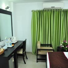OYO 1698 Hotel Park Residency Ramanattukara in Kozhikode