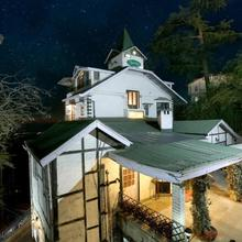 OYO 1706 Hotel The Alpine Heritage Residency in Chail