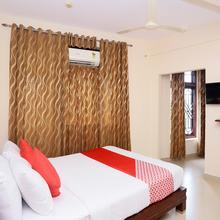 Oyo 1717 Ridges Hotel in Tiruvallam