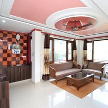 Oyo 17175 Home Blissful 2 Bhk Apartment Dharampur Kasauli in Parwanoo