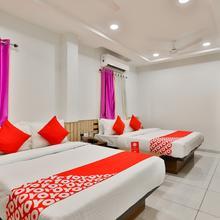 OYO 17252 Hotel Everest in Bavla