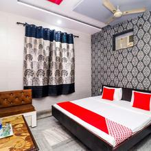 OYO 17328 New Friends Hotel in Jassowal