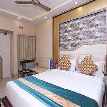OYO 1836 Hotel Shila International in Alipore