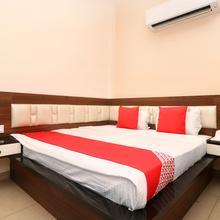Oyo 18446 Hotel M9 in Ludhiana