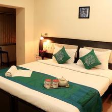 OYO 1846 Hotel Neeranand Regency in Alipore