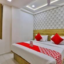 OYO 18485 Hotel Lincoln Saver in Gandhinagar
