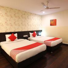 Capital O 18592 M Hotel in Himayatnagar