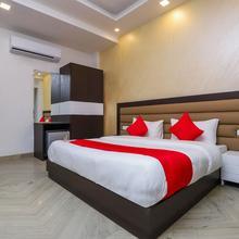 OYO 18607 Nights Inn in New Delhi