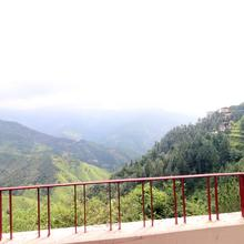 Oyo Home 18704 Blissful 2bhk in Chail