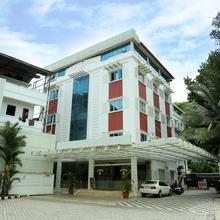 OYO 18707 Hotel National Park in Kottayam