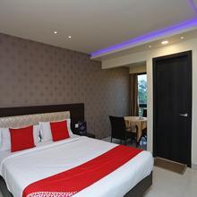 Oyo 18774 Utwo Hotel in Kanchrapara