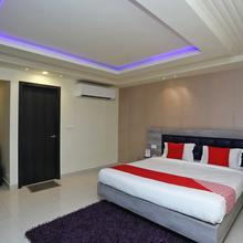 Oyo 18774 Utwo Hotel in Kalyani