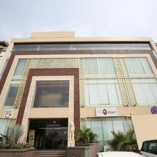 OYO 18835 Arista Hotel in Kharar