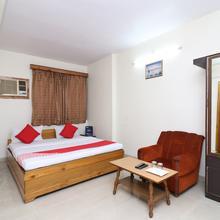 OYO 18838 Hotel Ta-tin in Kolkata