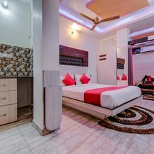 OYO 18873 Hotel Comfort in Jasidih