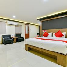 OYO 1889 Hotel Aj Park in Mararikulam