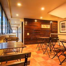 OYO 18951 City Xpress Hotel Rooms in Bogmolo