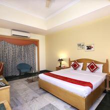 Oyo 1898 Hotel Aditya in Jassowal