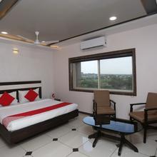 Oyo 19312 Hotel Shiv Shakti in Dahod